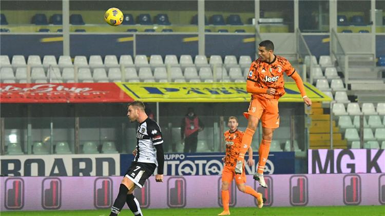 رونالدو ضد بارما