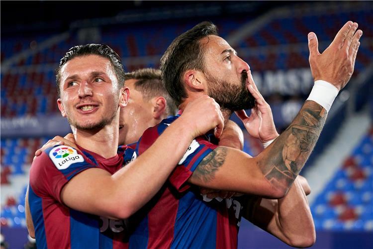من مباراة برشلونة وليفانتي