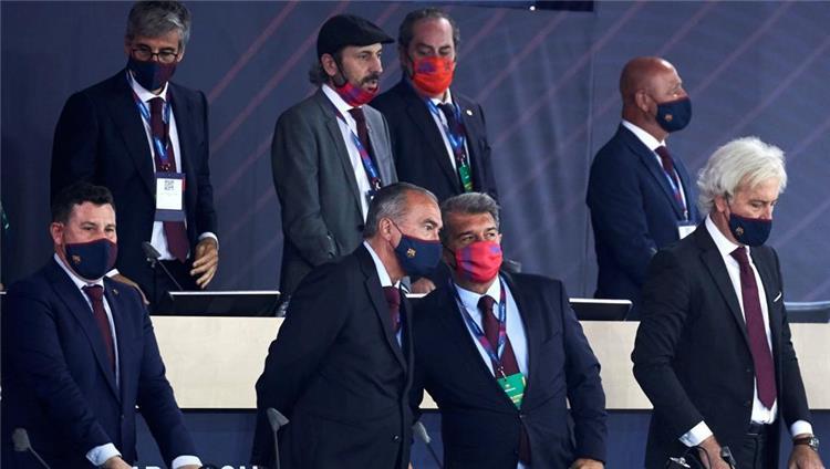 لابورتا ومجلس إدارة برشلونة