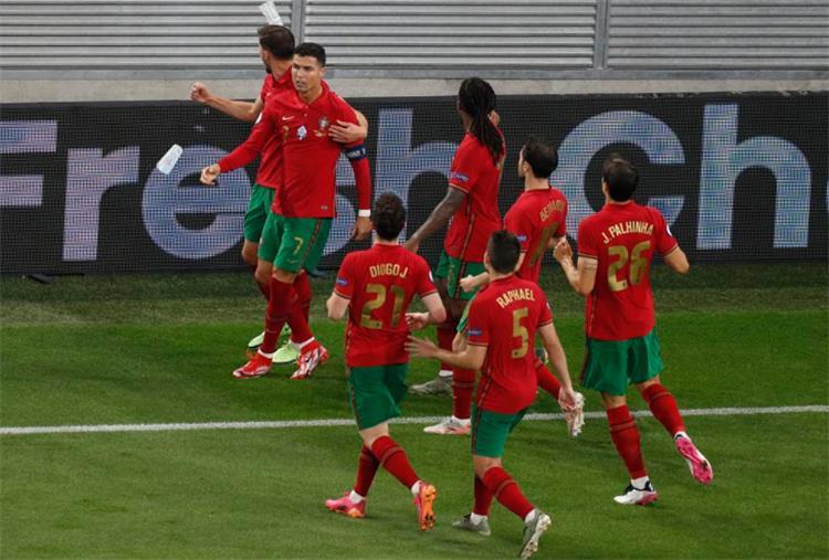 كريستيانو رونالدو ولاعبو البرتغال