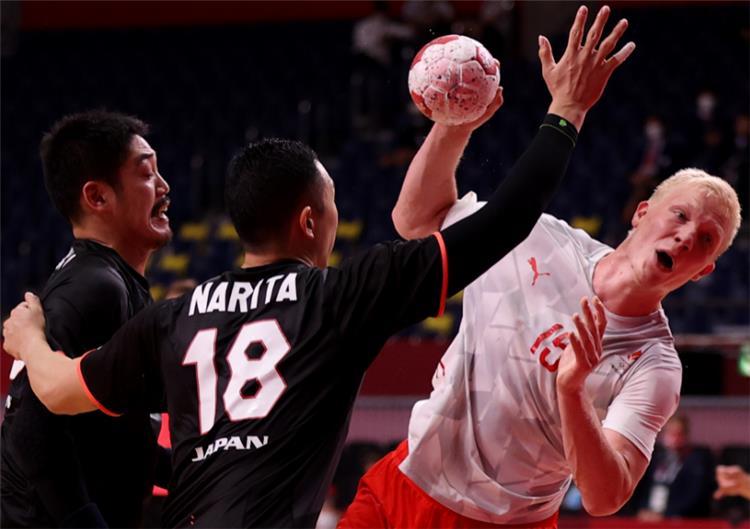من مباراة الدنمارك واليابان