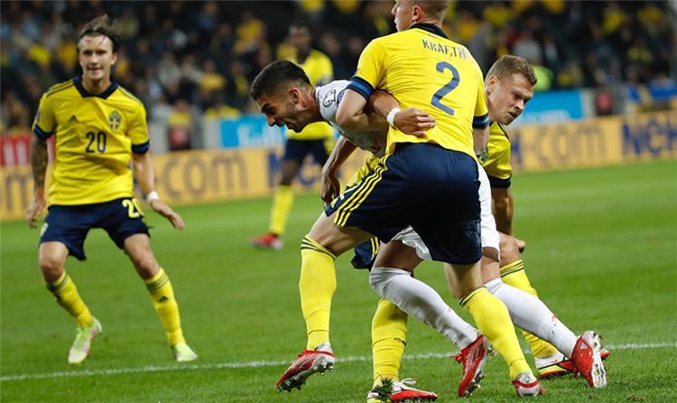 من مباراة إسبانيا والسويد