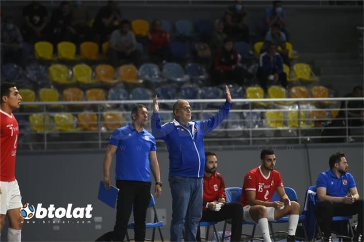 طارق محروس مدرب فريق اليد بالأهلي
