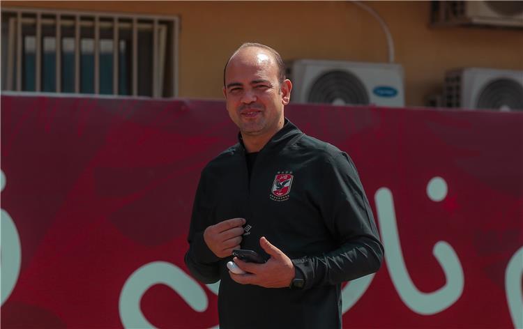 أحمد أبو عبلة طبيب الأهلي