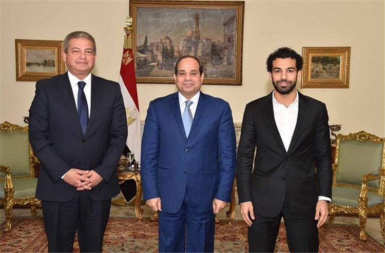 السيسي يستقبل محمد صلاح ووزير الرياضة قبل السفر للجابون