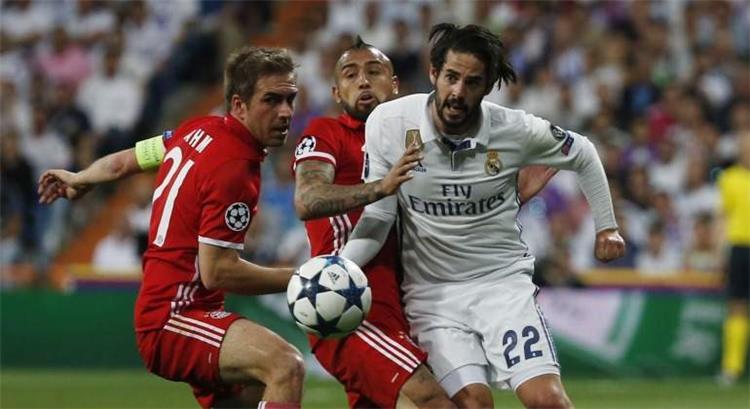 ريال مدريد يقترب من إعلان تمديد تعاقد إيسكو