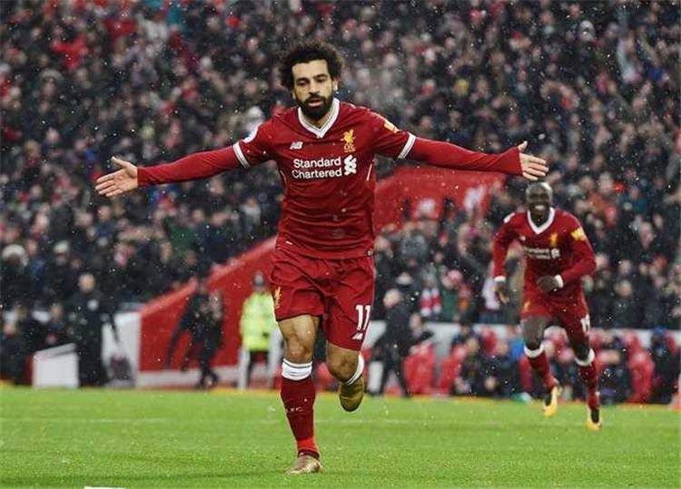 محمد صلاح فخور بانضمامه إلى عظماء كرة القدم