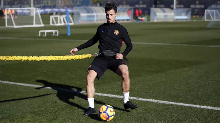 كوتينيو يقترب من الظهور الأول مع برشلونة
