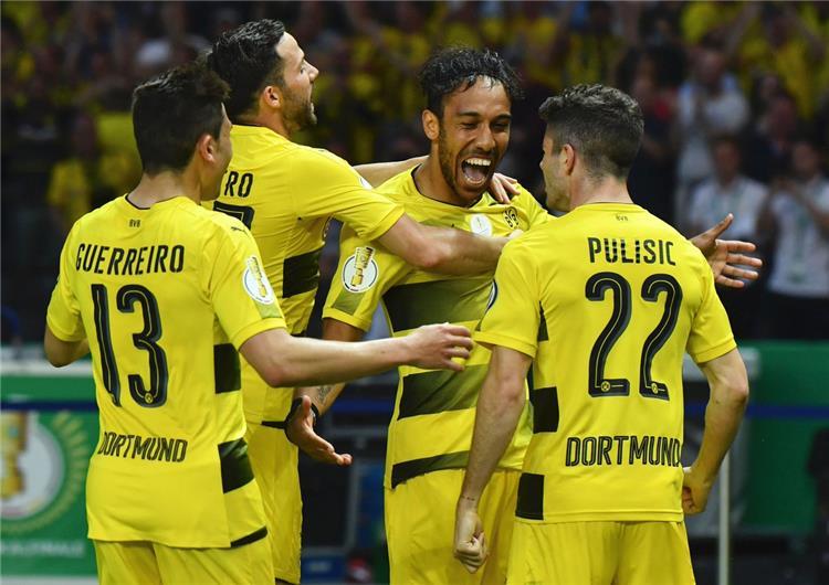 كأس ألمانيا أوباميانج يقود بوروسيا دورتموند للبطولة الرابعة على حساب فرانكفورت
