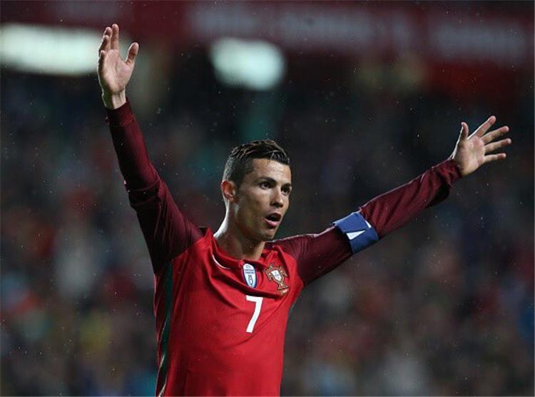 تصريحات.. رونالدو يعلق على رقمه القياسي بعد الفوز على المجر