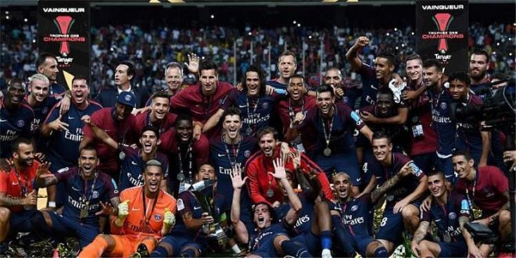 بطولات   باريس سان جيرمان يستغل مانشستر يونايتد للتسويق للاعبه