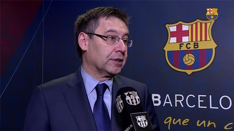 برشلونة يجتمع بجريميو لحسم صفقة ارثر في الصيف -