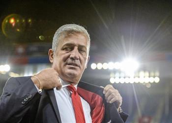 مدرب سويسرا يشيد بأداء شاكيري بعد الفوز على صربيا