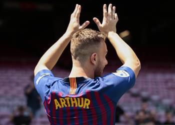 خليفة إنييستا من هو آرثر ميلو صفقة برشلونة الجديدة