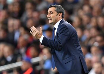 تقارير.. ضحية فالفيردي يفكر في الرحيل عن برشلونة