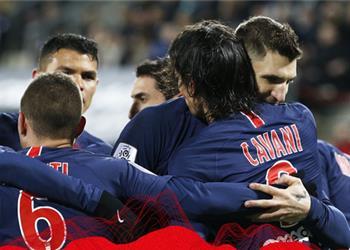 فيديو | باريس سان جيرمان يتخطى أميان في الدوري الفرنسي بثنائية كافاني ومبابي