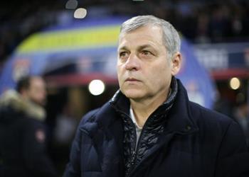 مدرب ليون: حققنا فوزًا هامًا قبل مواجهة برشلونة بدوري الأبطال