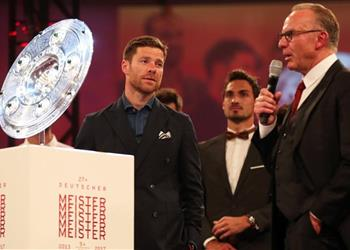 رومينيجه يُغازل تشابي ألونسو لترك ريال مدريد والعودة لبايرن ميونخ