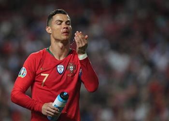 رونالدو يُطمئن جماهير يوفنتوس بعد إصابته في مواجهة البرتغال وصربيا