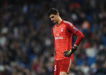 تقارير إسبانية: ريال مدريد يفكر في بيع كورتوا بالصيف المقبل