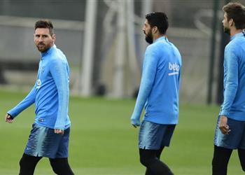 تشكيل برشلونة ضد ديبورتيفو آلافيس.. ميسي بديلاً وسواريز أساسيًا