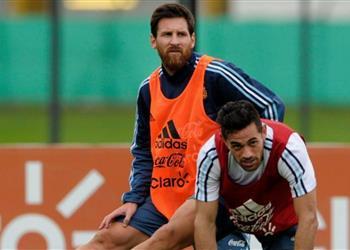 لاعب أرجنتيني يثير الجدل بسبب تصريحاته عن ميسي.. ويحاول تبرئة نفسه