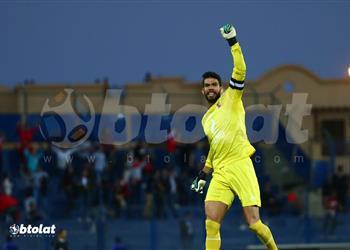 مدرب منتخب مصر السابق يشيد بشريف إكرامي بسبب حارس الزمالك: لم تخيب أملنا فيك