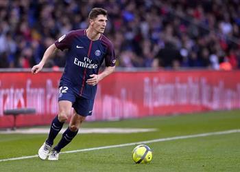 مدافع باريس سان جيرمان يكشف حقيقة انتقاله لمانشستر يونايتد