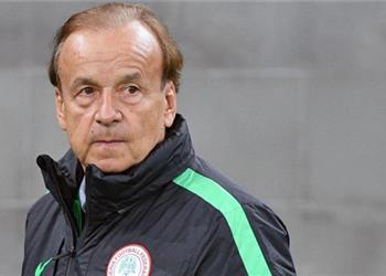مدرب نيجيريا: هدفنا الظهور بشكل جيد في أمم إفريقيا وشاهدت مباراة مصر وغينيا لهذا السبب