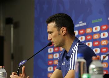 مدرب الأرجنتين: أرماني أبقانا على قيد الحياة وعلينا الفوز أمام قطر