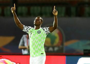 إيجالو يوضح حقيقة تراجعه عن الاعتزال الدولي بعد تدخل رئيس الاتحاد النيجيري