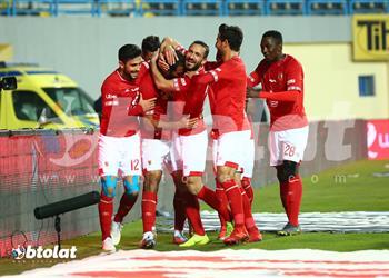 صانع ألعاب الأهلي مهدد بالغياب أمام المقاولون العرب