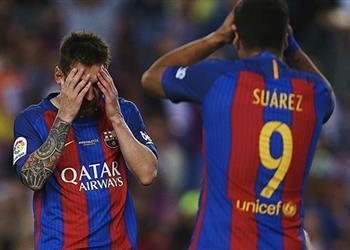 أخبار.. لاعبو برشلونة يعترفون داخل غرفة خلع الملابس بارتكاب أخطاء أبعدتهم عن الليجا قبل النهاية بأسابيع
