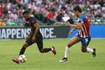 أتلتيكو مدريد يفوز على غوادالاخارا بركلات الترجيح في كأس الأبطال