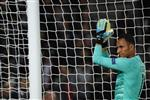 نافاس: سعيد بفوز باريس سان جيرمان وليس بهزيمة ريال مدريد