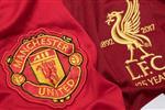 تعرف على معلق مباراة ليفربول ومانشستر يونايتد في الدوري الإنجليزي اليوم