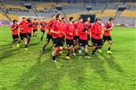 منتخب مصر يستعد لمواجهة كينيا ومحمد صلاح يكتفي بمشاهدة المران