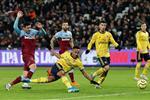 فيديو | أول انتصار منذ أكتوبر.. آرسنال يقلب الطاولة على وست هام ويحقق فوزًا بثلاثية في الدوري الإنجليزي