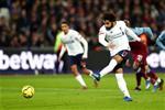 فيديو | محمد صلاح يسجل الهدف الأول لـ ليفربول أمام وست هام من ركلة جزاء