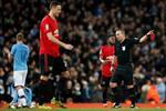 مانشستر يونايتد بـ 10 لاعبين أمام مانشستر سيتي بعد طرد ماتيتش