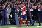 موراتا يحطم زجاجة منفعلاً بعد استبداله في مباراة أتلتيكو مدريد وفياريال.. وسيميوني يشيد به