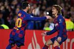 تشكيل برشلونة ضد نابولي.. ميسي وجريزمان يقودان الهجوم وفيدال أساسيًا
