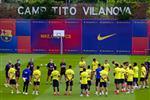 فاتي وأومتيتي يعودان لتدريبات برشلونة قبل مباراة مايوركا في الدوري الإسباني