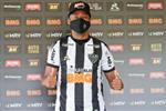 كينو: كرة القدم في مصر والإمارات معقدة.. ولن أعود لمستواي سريعا في البرازيل