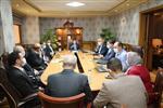 وزير الرياضة ورئيس الاتحاد الدولي يجتمعان مع اللجنة المنظمة لكأس العالم لليد