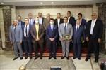 وزير الرياضة يكرم منظمي قرعة كأس العالم لكرة اليد بحضور رئيس الاتحاد الدولي
