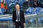آس: زيدان يفقد الثقة في مهاجم ريال مدريد رغم مستوى بنزيما
