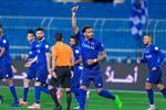 فيديو | الهلال يهزم أبها بثنائية ويتأهل لـ نهائي كأس خادم الحرمين