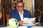 بطولات يكشف سبب عدم حضور عمرو الجنايني مراسم تتويج الأهلي بدرع الدوري