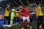 فيديو | الإنتاج الحربي ينفذ ممرًا شرفيًا للاعبي الأهلي قبل مباراتهما في الدوري